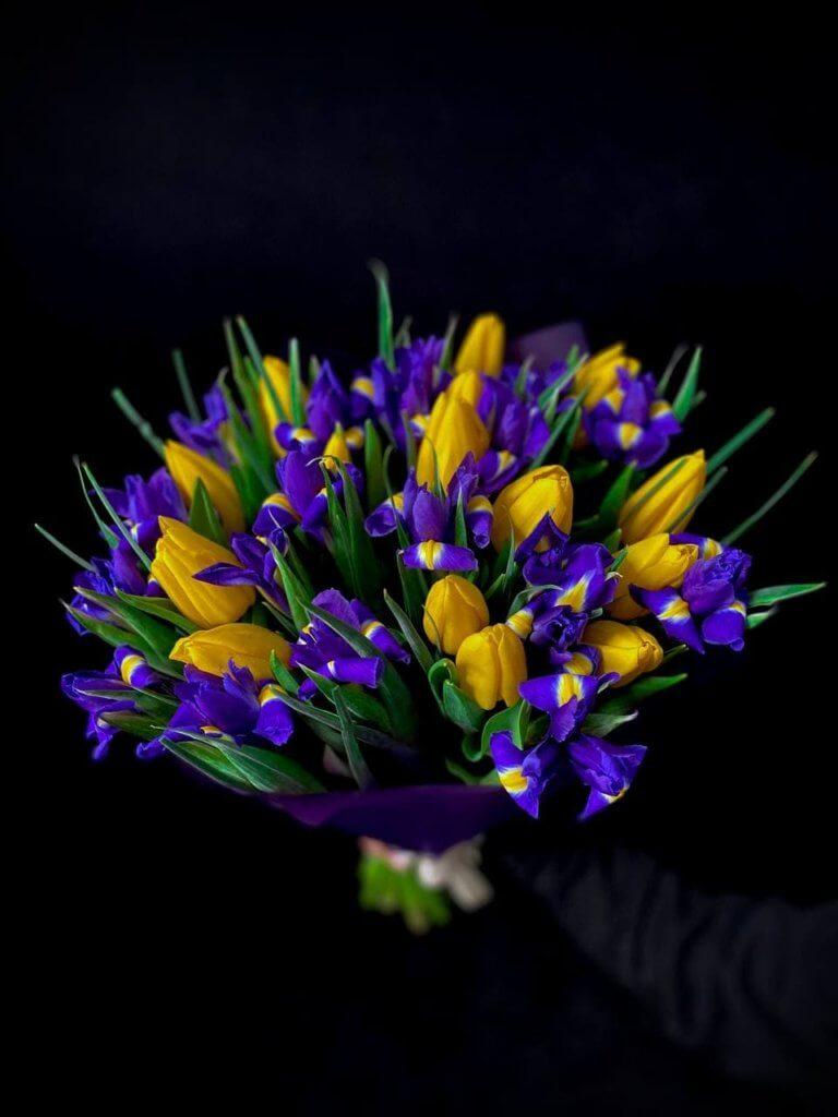 """Букет """"Ирисы + Тюльпаны"""""""